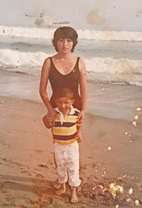 mama y yo en la playa remaster